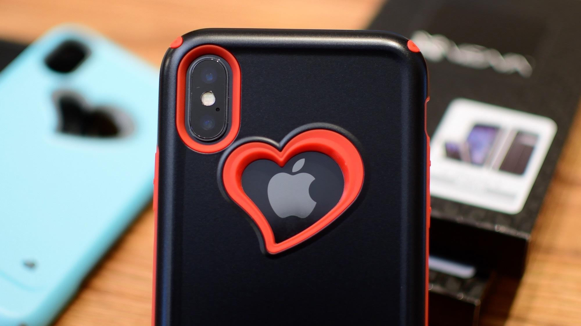 iPhone X avec coque coeur